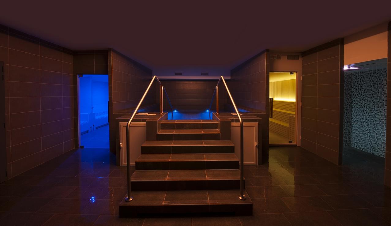 Bordo Vasca Da Spa : Percorso rilassante spa day & lunch bagni triponzo